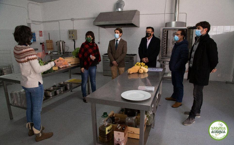 Las autoridades visitan el Obrador Ecológico de la Subbética